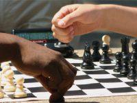 Jouer aux échecs à l'école améliore l'apprentissage