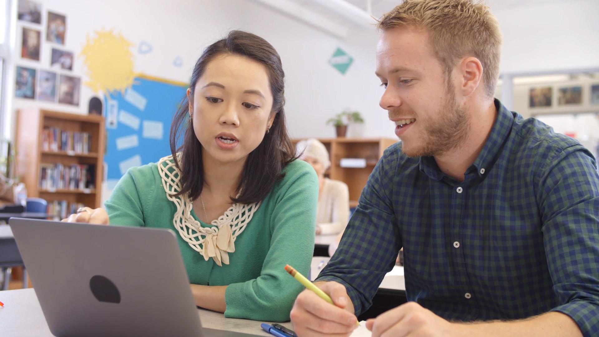 Cerveau et apprentissage : les compliments sont-ils contre-productifs ?